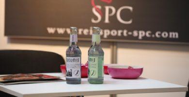 CUCUMIS Flaschen auf dem HansePferd-2018-Messestand von Reitsport SPC