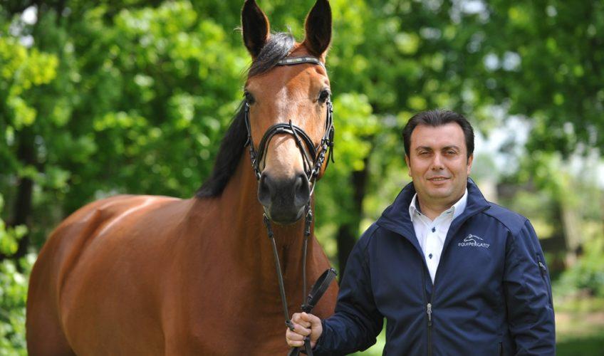 Equipergato® Geschäftsführer Roukaz Soufiah mit Pferd