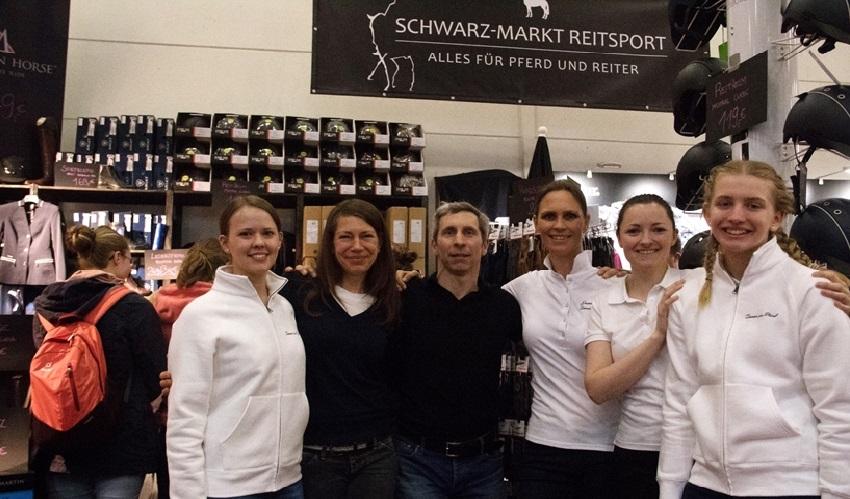 Schwarz-Markt auf der HansePferd 2018. Das Reitsport SPC-Team zu Besuch.